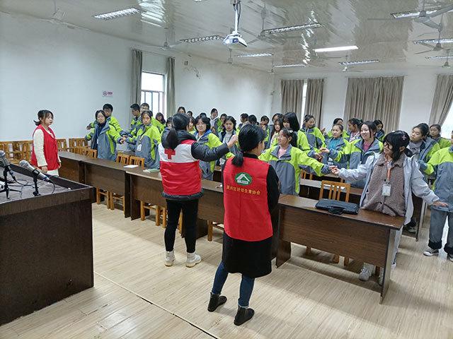 吉山一社区:开展青少年情绪管理辅导进校园活动