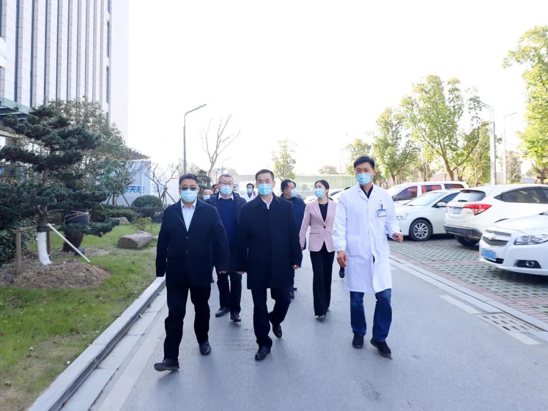 区委书记杨卫东检查冬春季新冠肺炎疫情防控应对工作